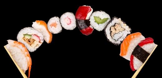 Игры Готовить роллы и суши для девочек